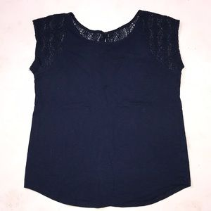 Gap M lace t shirt